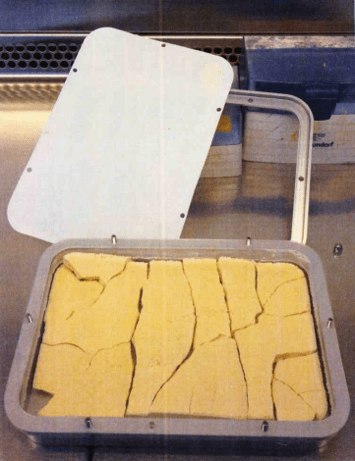 Picture of Lyoprotect®tray for freeze-drying with lyophilisation cake